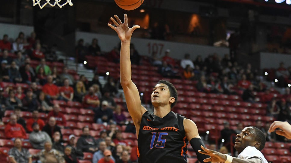 HUTCHISON LEADS BOISE STATE PAST UNLV, 77-59